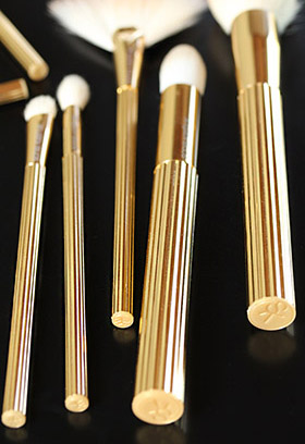 sonia kashuk brow brush review handles 1 Sonia Kashuk Makeup Brush Review   10 Brush Review Gold Limited Edition