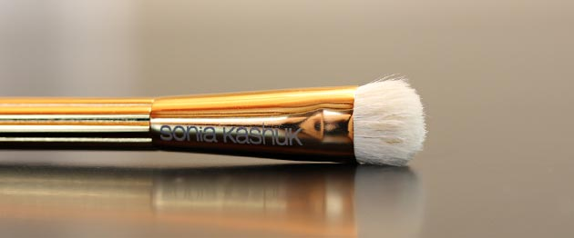 sonia kashuk shader brush Sonia Kashuk Makeup Brush Review   10 Brush Review Gold Limited Edition