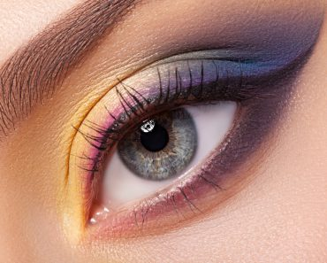 5 Tips to Prevent Makeup Allergies