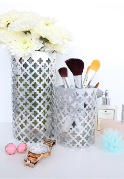 Aluminum Vase Holder