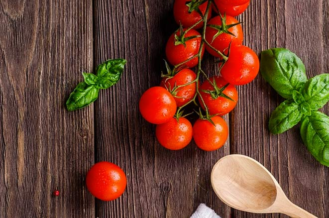 tomatoes for younger skin
